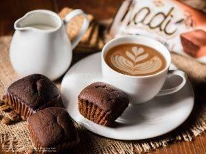 عکاسی تبلیغاتی محصولات شرکت نادی | کیک شکلاتی نادی | عکاسی غذایی | عکاسی غذایی به صورت دکوراتیو